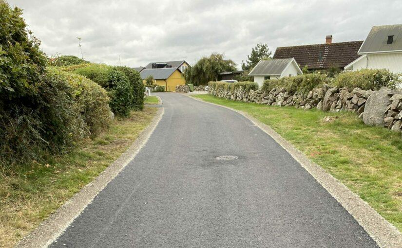 Ny asfalt på Hagmarksvägen och Maries väg
